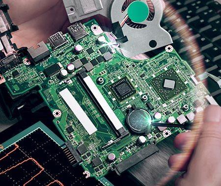 Почистване на лаптопи